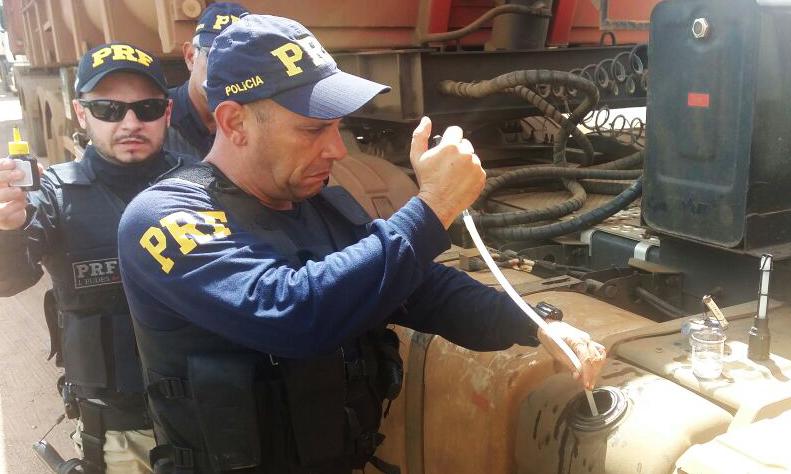 PRF prende 18 pessoas e fiscaliza mais de 600 veículos