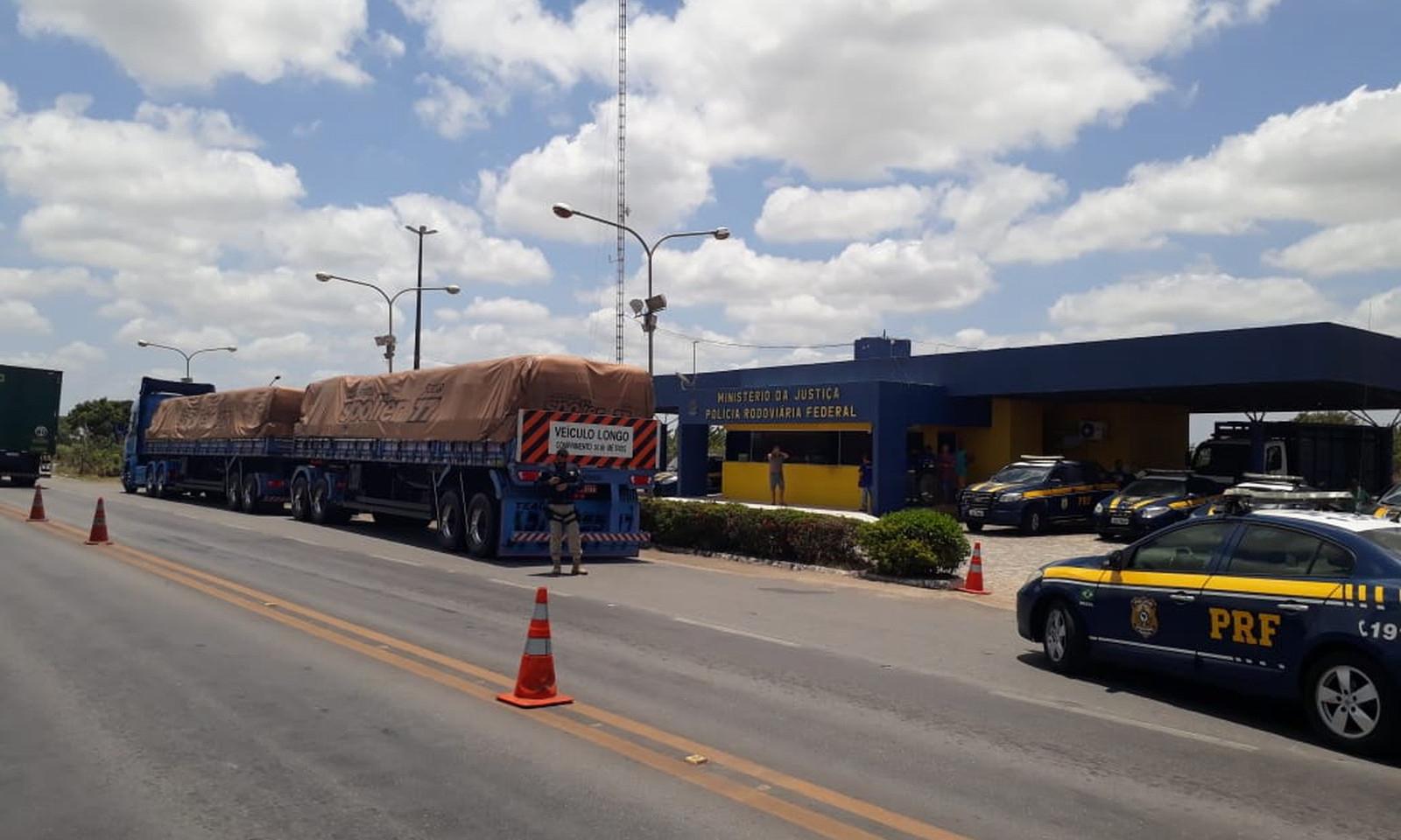 Caminhoneiros são presos e veículos roubados são recuperados em operação na BR-101, em AL